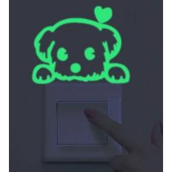 Svietiace nálepky nad vypínač
