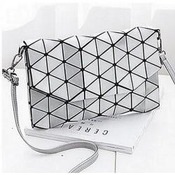 Geometrická kabelka - lesklá strieborná